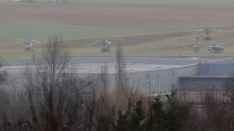 Une photo des forces de l'ordre en intervention, à Dammartin-en-Goële (Seine-et-Marne), le 9 janvier 2015. (JOEL SAGET / AFP)
