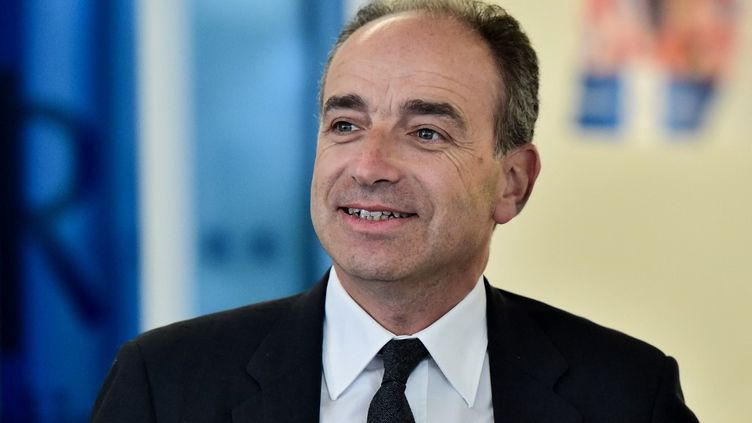 Jean-François Copé, le 9 mai 2017 à Paris, lors d'un meeting au siège des Républicains. (CHRISTOPHE ARCHAMBAULT / AFP)