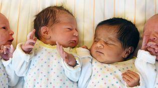 La baisse des naissances se confirme en 2019, mais à un rythme ralenti : 12 000 bébés en moins l'an dernier, après 14 000 de moins en 2017, 15 000 en 2016 et 20 000 en 2015. (Photo d'illustration) (WALTRAUD GRUBITZSCH / DPA-ZENTRALBILD / AFP)