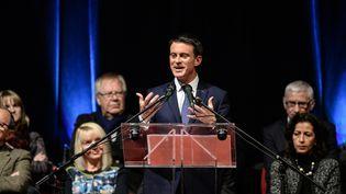 Manuel Valls pour son premier meeting de candidat à la primaire de la gauche, mercredi 7 décembre. (SEBASTIEN BOZON / AFP)