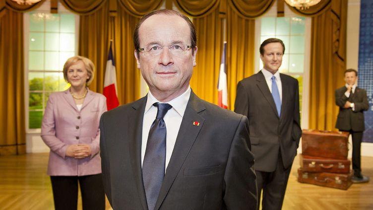 La statue du président de la République française, François Hollande, est installée dans le musée de cire Madame Tussauds à Londres (Royaume-Uni), le 23 août 2012. (GARRY SAMUELS / MAXPPP)