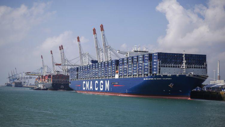 Le porte-conteneurs Antoine de Saint Exupéry de l'entreprise CMA CGM dans le port du Havre (Seine-Maritime), le 6 septembre 2018. (CHARLY TRIBALLEAU / AFP)