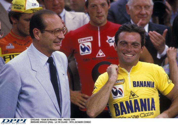 Jacques Chirac et Bernard Hinault à l'arrivée du Tour de France 1985. (DPPI / DPPI MEDIA)