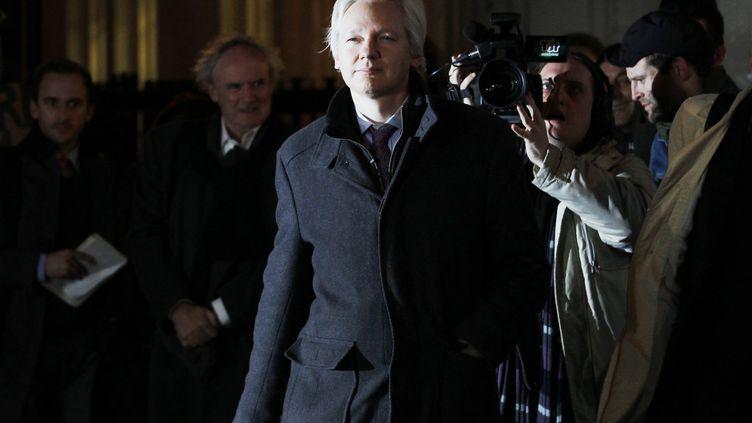 Julian Assange quitte la Cour suprême britannique, le 2 février 2012, à Londres. (LUKE MACGREGOR / REUTERS )