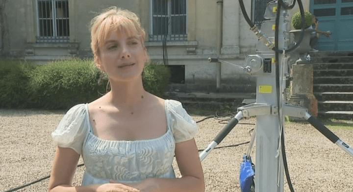 Mélanie Laurent sur le tournage du film.  (Capture d'image France3/Culturebox)