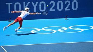 Novak Djokovic lors d'un entraînement à Tokyo avant le début du tournoi olympique de tennis, le 22 juillet 2021. (MONTIGNY PHILIPPE / KMSP)