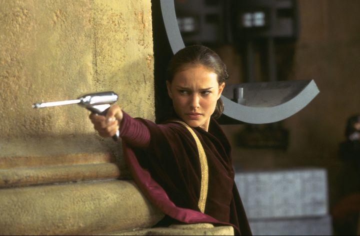 Natahlie Portman incarnant Padmé AmidalaStar Wars : La menace fantôme(1999). (LUCASFILM / ARCHIVES DU 7EME ART)