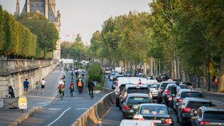 Un embouteillage à Paris, le 16 septembre 2020. (GABRIELLE CEZARD / HANS LUCAS / AFP)