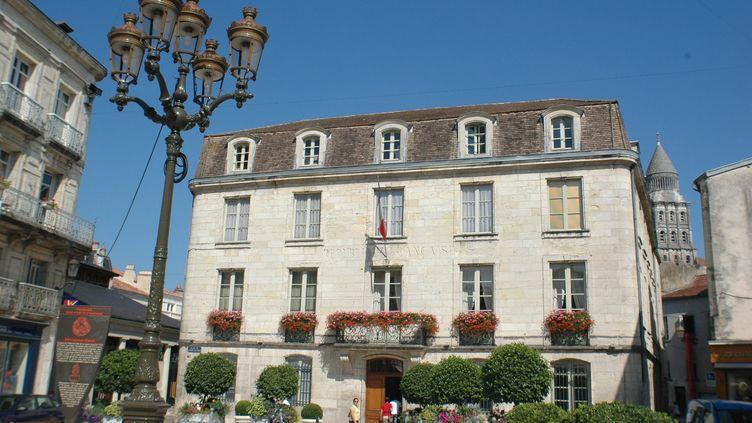 La mairie de Périgueux (Dordogne), le 28 juin 2005. (JACKY SCHOENTGEN / MAXPPP)