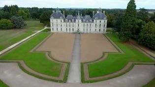 France 2 a pris la direction du château de Cherverny au cœur du Loir-et-Cher. C'est le château de Tintin, le personnage d'Hergé, et depuis sa construction au 17e siècle il a toujours été habité par la même famille. (FRANCE 2)