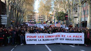 Une manifestation d'hommage aux victimes des attentats du 13 novembre, organisée le 21 novembre à Toulouse (Haute-Garonne). (XAVIER WATTEZ / CITIZENSIDE.COM / AFP)