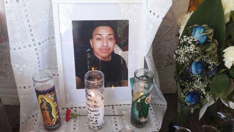 Erick Silva, agent de sécurité âgé de 21 ans, est mort alors qu'il portait secours à des spectateurs lors de la tuerie de Las Vegas. (RADIO FRANCE / SANDRINE ETOA ANDEGUE)