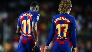Les Barcelonais Ousmane Dembélé et Antoine Griezmann, le 24 septembre 2019 à Barcelone (Espagne). (XAVIER BONILLA / NURPHOTO / AFP)