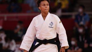Amandine Buchard pendant son quart de finale en - de 52 kgn à Tokyo, dimanche 25 juillet. (JACK GUEZ / AFP)