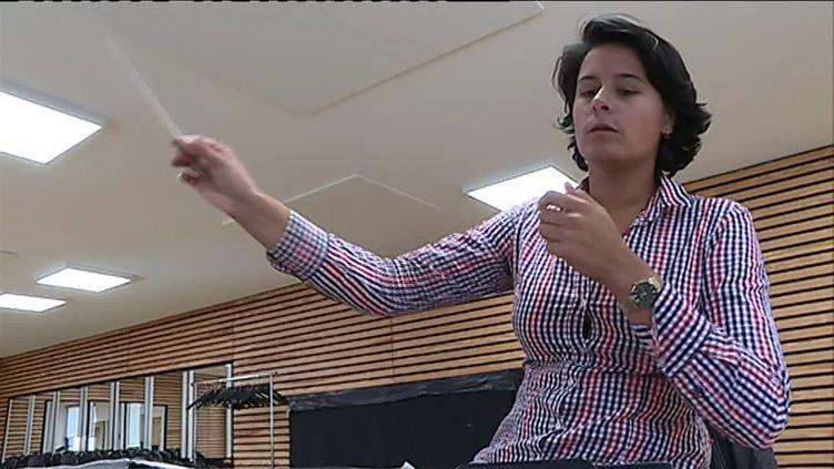 Anne-Louise Bourion, cheffe de chant à l'Opéra à Limoges et présélectionnée au 56e Concours international de jeunes chefs d'orchestre de Besançon du 16 au 21 septembre 2019. (W. Redonnet / France Télévisions)