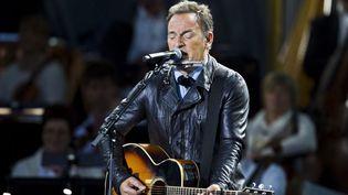 Bruce Springsteen, sur la scène du City Hall Square à Oslo  (Vegard Groett / AFP)