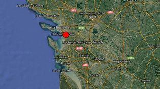 Capture d'écran d'une carte localisant l'épicentre du séisme de magnitude 5 qui a secoué la Charente-Maritime,jeudi28 avril 2016. (RENASS / FRANCETV INFO)