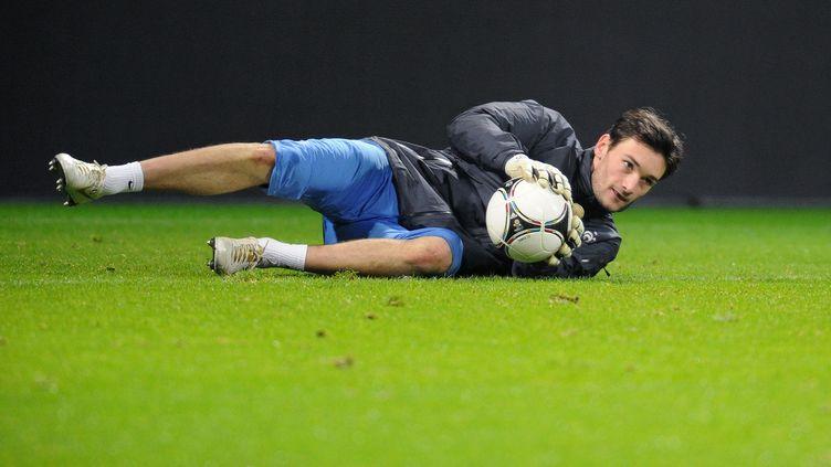Hugo Lloris lors d'un entraînement, à Brême (Allemagne), le 28 février 2012. (FRANCK FIFE / AFP)