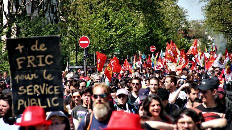 La manifestation à Lyon (Rhône)dans le cadre de la mobilisation interprofessionnelle, le 19 avril 2018. (MATHIS BOUSSUGE / CROWDSPARK / AFP)