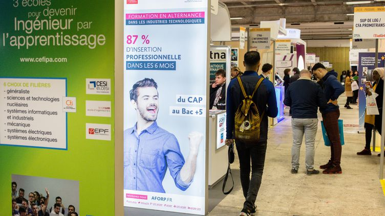 Photo d'illustration prise à l'occasion du 25e Salon de l'apprentissage et de l'alternance à Paris, le 2 février 2018. (AURELIEN MORISSARD / MAXPPP)