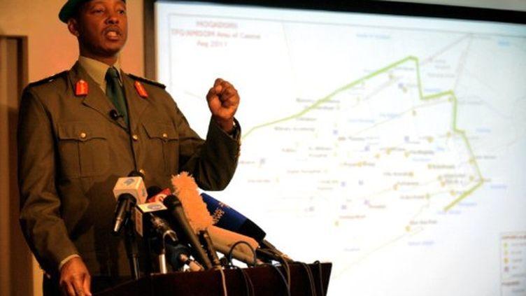 Le général Fred Mugisha appelle aux renforts pour consolider ses positions face aux shebab. (SIMON MAINA / AFP)