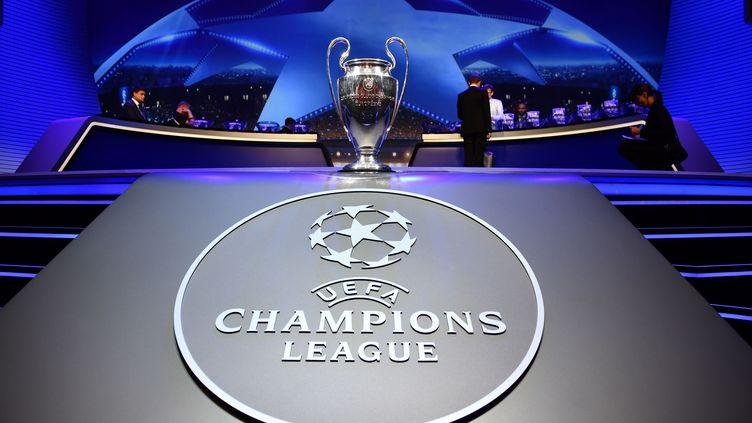 Quelques minutes avant le tirage au sort des groupes de la Ligue des champions, jeudi 24 août 2017 à Monaco. (MUSTAFA YALCIN / ANADOLU AGENCY / AFP)