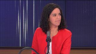 L'eurodéputée La France Insoumise Manon Aubry était l'invitée de franceinfo samedi 25 septembre 2021. (CAPTURE ECRAN / FRANCEINFO)
