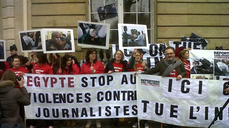 Des militants de Reporters sans frontières ont manifesté contre les agressions faites aux journalistes en Egypte (copyright RSF)