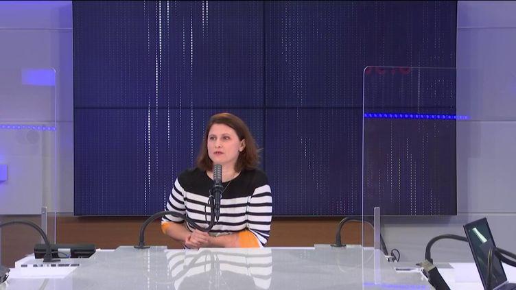Roxana Maracineanu, la ministre déléguée chargée des Sports, le 19 février 2021 sur franceinfo. (FRANCEINFO / RADIO FRANCE)