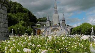 Pont de l'Ascension : Lourdes attend ses pèlerins et touristes (France 2)
