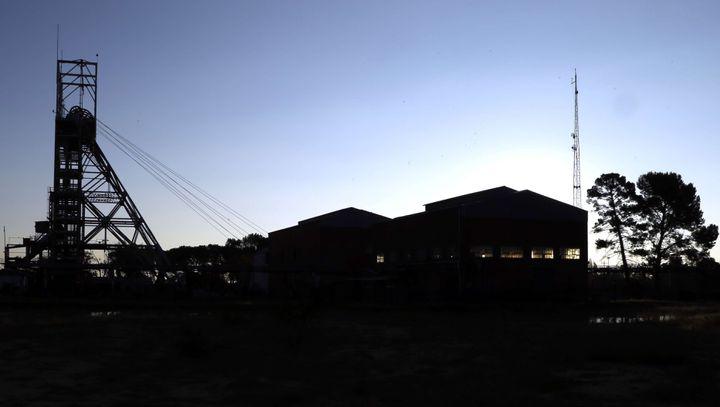 Un puits de mine fermé à Welkom dans le centre de l'Afrqiue du Sud le 18 mai 2016 (THEMBA HADEBE/AP/SIPA / AP)