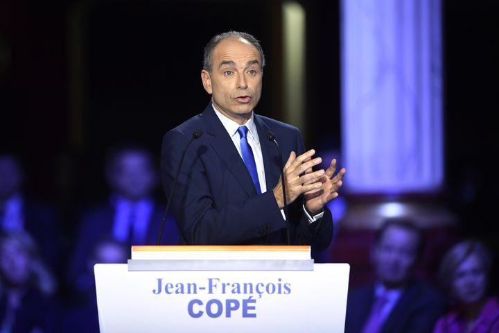 Jean-François Copélors du deuxième débat télévisé entre les candidats à la primaire à droite, le 3 novembre 2016. (ERIC FEFERBERG / AFP)