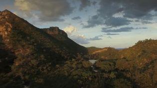 Avec ses cascades, dunes et oasis turquoises, le parc du Jalapao est un joyau du Brésil.Reportage sur une terre riche en histoire et culture, pour le journal du 20 Heures, mercredi 11 novembre. (France 2)