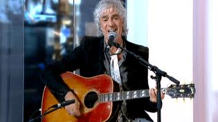 """Louis Bertignac sort un nouvel album """"Suis-moi"""""""