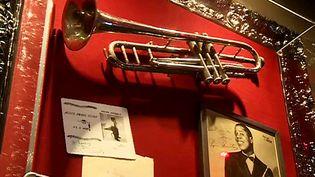 La trompette en argent d'Armstrong au Hard Rock Cafe de Nice  (France 3 / Culturebox)