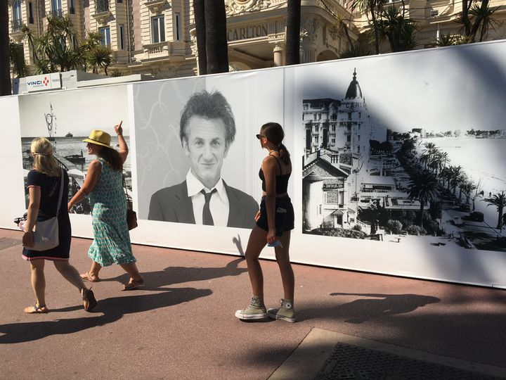 Photo of & nbsp; Sean Penn in the exhibition at the Hotel Carlton in Cannes, July 5, 2021 (LCA / FRANCEINFO CULTURE)