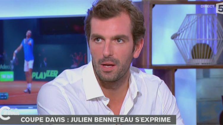 """Le tennisman Julien Benneteau lors de son passage à l'émission """"C à vous"""""""