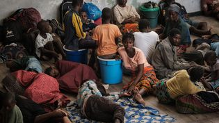 Une écolede Beira, au Mozambique, abrite des réfugiés le 21 mars 2019. (YASUYOSHI CHIBA / AFP)