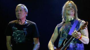 Ian Gillian et Steve Morse (guitare) en concert à Saint-Pétersbourg (27/10/2012)  (Alexei Danichev / Ria Novosti / AFP)