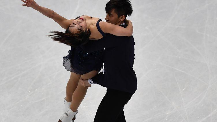 Les Chinois Sui Wenjing et Han Cong sacrés champions du monde de patinage artistique en couples (DANIEL MIHAILESCU / AFP)