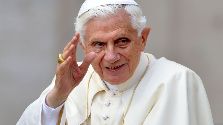 Le pape Benoît XVI au Vatican, le 16 mai 2012. (VINCENZO PINTO / AFP)