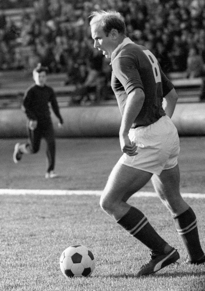 Le milieu de terrain soviétique Eduard Streltsov lors d'un match, en 1965. (MAKAROV ALEXANDER / RIA NOVOSTI)