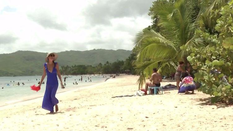 Outre-mer : les touristes doivent composer avec les nouvelles restrictions sanitaires. (FRANCEINFO)