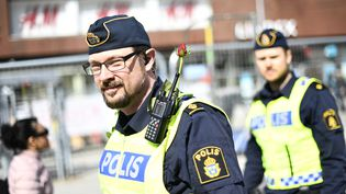 Unpolicier à Stockholm en Suède, le 9 avril 2017. (JONATHAN NACKSTRAND / AFP)
