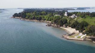 Morbihan : des habitants luttent contre la construction d'un grand hôtel sur l'île de Berder (FRANCE 2)