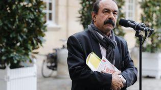 Le leader de la CGT, Philippe Martinez, s'exprime devant la presse dans la cour de Matignon, à Paris, le 18 décembre 2019. (THOMAS SAMSON / AFP)