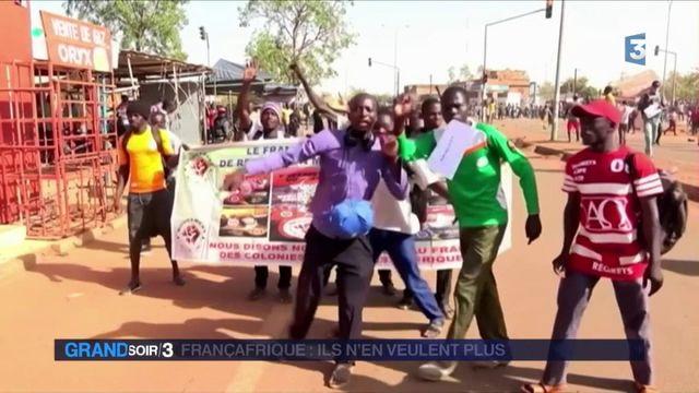 Macron au Burkina Faso : des manifestants dénoncent un néocolonialisme français