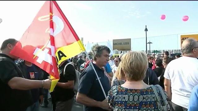 Marne : policiers et militants CGT manifestent au passage du Premier ministre