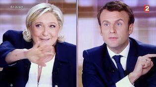 Marine Le Pen et Emmanuel Macron lors du débat de l'entre-deux-tours, à la Plaine Saint-Denis (Seine-Saint-Denis), le 3 mai 2017. (MAXPPP)