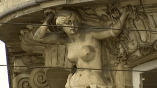 L'une des deux cariatides censurées par Facebook  (France 3 / Culturebox)